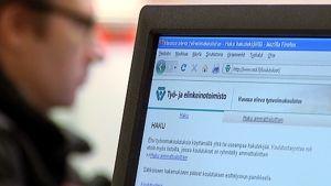 Asiointia TE-toimistoissa yritetään vähentää nykyisestä mm. verkkopalveluja kehittämällä.