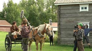 Kuvassa Härmä -elokuvan kuvauks a Laihialla kesällä 2011.