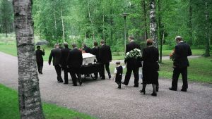 Hautajaissaattue.