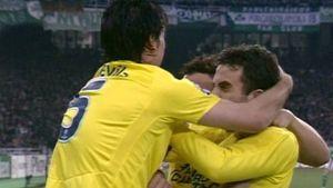 Villarrealin pelaajat juhlivat.
