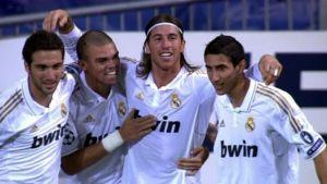 Real Madridin pelaajat juhlatuulella.