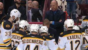 Claude Julien pitää aikalisää Boston Bruinsille.