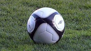 Jalkapallo kuvassa
