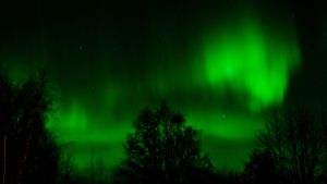 Revontulia Rovaniemen taivaalla.