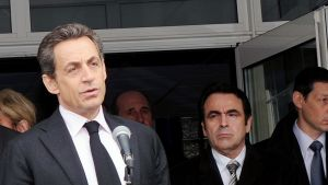 Nicolas Sarkozy puhuu Ozar Hatorah -koulun edustalla maanantaina.