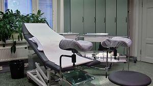 Gynekologin hoitotuoli