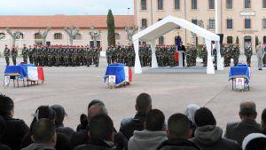 Presidentti Nicolas Sarkozy sarjamurhaajan ampumien kolmen sotilaan muistotilaisuudessa Montaubanissa.