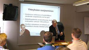 tietoturva-asiantuntija Klaus Majewski.