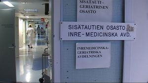 Selkämeren sairaalan lokakuussa 2007 sulkeutunut sisätautiosasto.