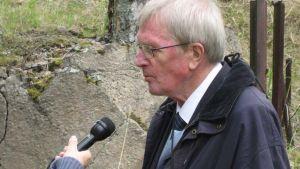 Professori Tatu Vanhanen Lahden Radion haastattelussa 2009