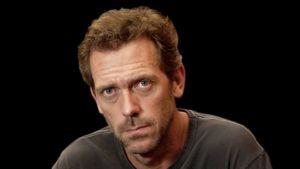 Brittiläinen näyttelijä Hugh Laurie.