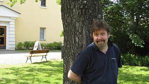 Seppo Salovius tuo Lasse Pöystin Tuulokseen.