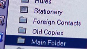Ulkomaalaisia kontakteja luodaan sähköpostitse
