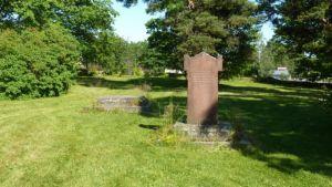 Turun kolerahautausmaa vuodelta 1831 siistiytyi kesällä 2009.