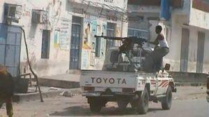 Somalian armeijan sotilas tulittaa islamistikapinallisia