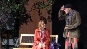 Dawn Jani Birley ja Samuli Mänttäri esiintymässä.