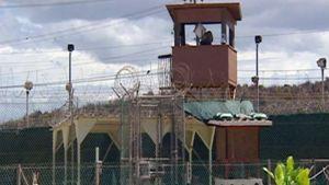 Vartiotorni Guantanamon vankileirissä.