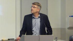 Professori Jorma Jokiniemi
