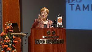 Presidentti Halonen puhumassa.
