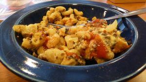 Makaronlaatikon voi tehdä maistuvaksi myös soijarouheesta.