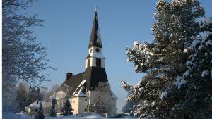 Rovaniemen kirkko helmikuussa 2011