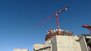 Olkiluodon ydinvoimalan reaktori 3:n rakennustyöt meneillään.
