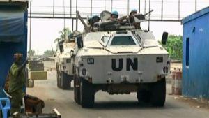 YK-joukkojen panssaroituja ajoneuvoja Norsunluurannikon Abidjanissa.