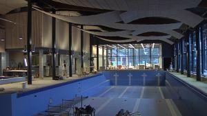 Uima-altaan pituus on 25 metriä.
