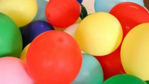 Värikkäitä ilmapalloja.