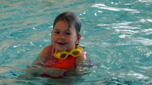 Uimakoululainen Neea