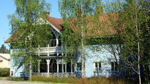 Puinen talo