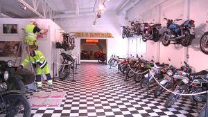 Suomen Moottoripyörämuseo on nyt vain pientä pintasilausta vaille valmis.