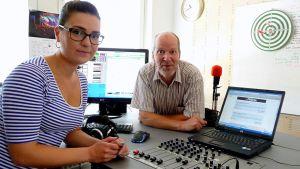 Liina Matveinen ja Seppo Mustonen studiossa.