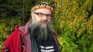 Tykkyläinen kuvaa Pudasjärven naisia ja maisemia.