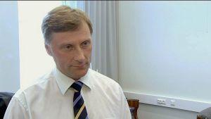 Maa-ja metsätalousministeri Jari Koskinen.