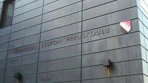 Joensuun Lyseon peruskoulu.
