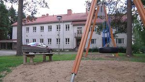 Vetelin Ylipään koulu on nimetty myös Patanan ja Pulkkisen kylien oppilaiden lähikouluksi.