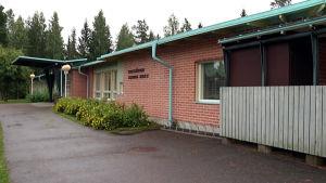 Rautjärven aseman koulu.