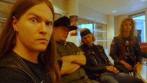 Guns Of Gloryn muodostavat Pete - basso, laulu, Johnny - rummut, Ricky - kitara sekä Oki - kitara.