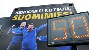 Suomimies seikkailee -rekka