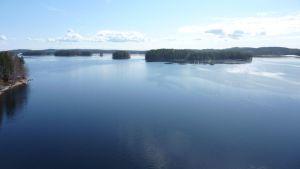 Näkymä Kärkisten sillalta Päijänteelle.