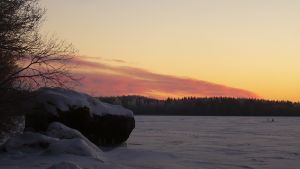 Talvinen auringonlasku Vanajavedellä Hattulassa