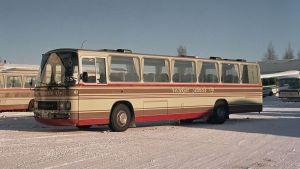 Veljekset Salmela Oyn Kutter 9 -bussi.