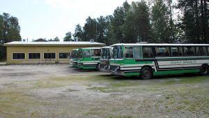 Veljekset Salmela Oy:n autotalli Simossa