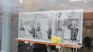 Kokkolan linja-autoaseman gallerian ikkunassa voi nähdä nykytaidetta marraskuun loppuun saakka.