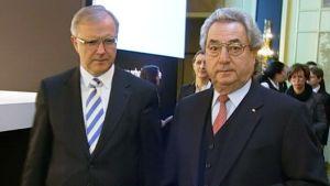 Talouskomissaari Olli Rehn ja Saksan työnantajien liiton puheenjohtaja Dieter Hundt saapumassa liiton järjestämään konferenssiin.