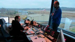 Mikkelin lentoaseman lennonjohtotorni.