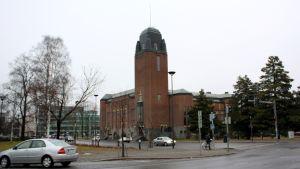 Eliel Saarisen suunnittelema Joensuun kaupungintalo.
