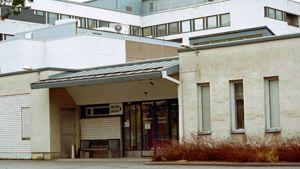 Kuvassa Malmin sairaala Pietarsaaressa.