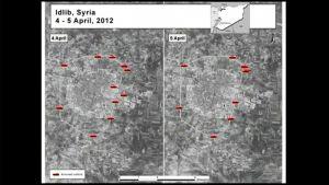 Kaksi satelliittikuvaa Idlibistä, joihin merkitty tankkien kuvia.